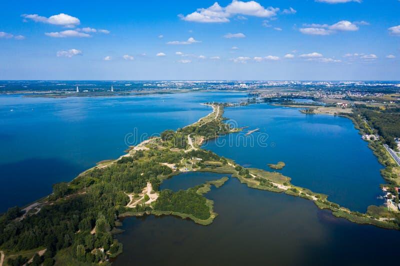 Вид с воздуха на голубые озера стоковая фотография