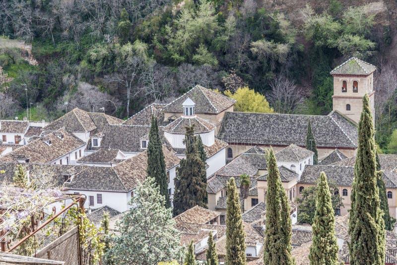 Вид с воздуха на часть крыш Гранады стоковые фотографии rf