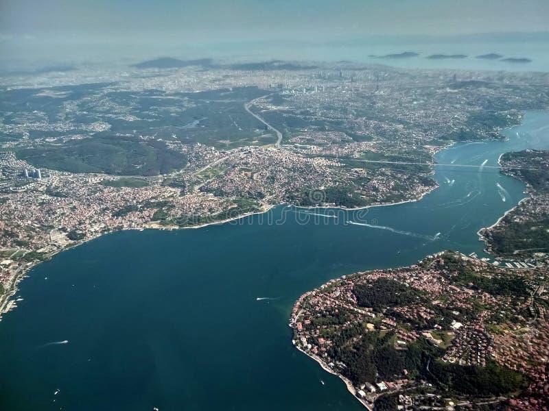 Вид с воздуха на Bosphorus стоковое изображение rf