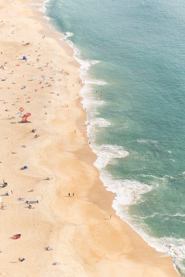 Вид с воздуха пляжа Nazare стоковые изображения