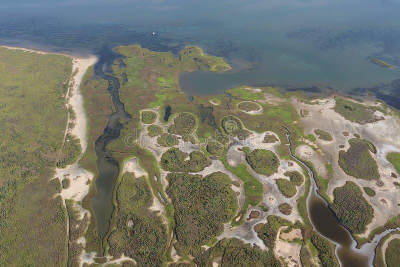 Вид с воздуха побережья мексиканского залива Техаса, остров Галвестона, Соединенные Штаты Америки стоковые изображения