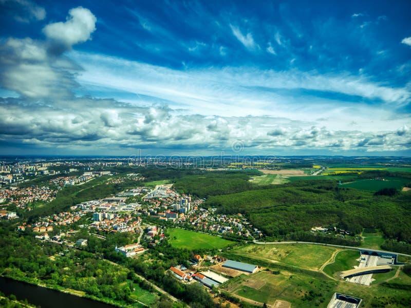 Вид с воздуха поля плантации стоковые изображения rf