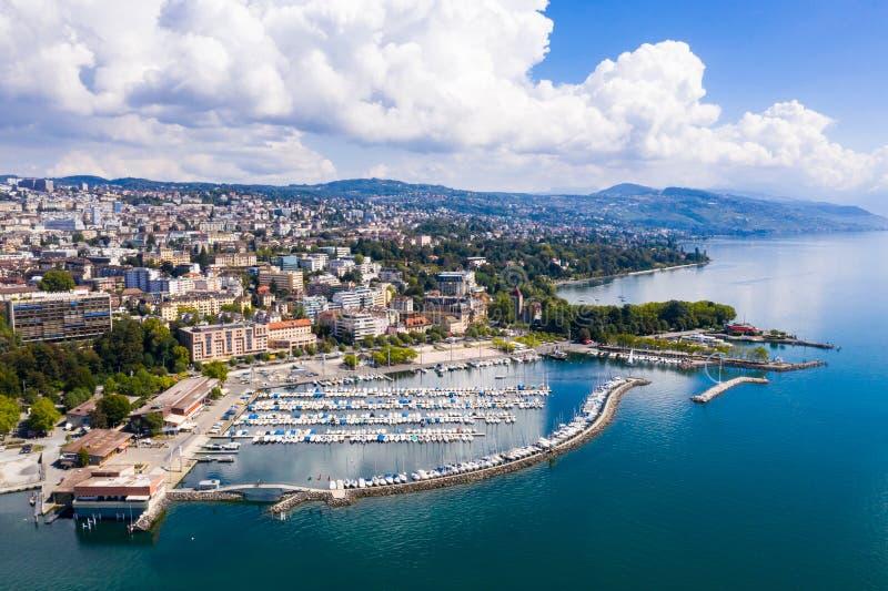 Вид с воздуха портового района Ouchy в Лозанне Швейцарии стоковые фото