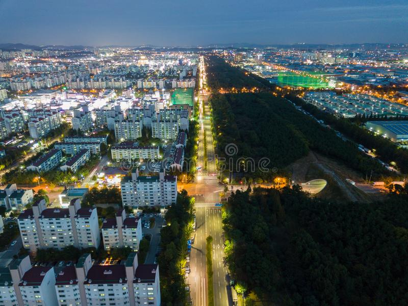 Вид с воздуха промышленного парка на ноче Инчхон Сеул, Корея стоковые фотографии rf