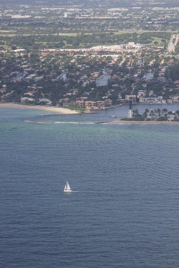 Вид с воздуха пункта маяка, пляжа Pompano, Флориды стоковое изображение rf