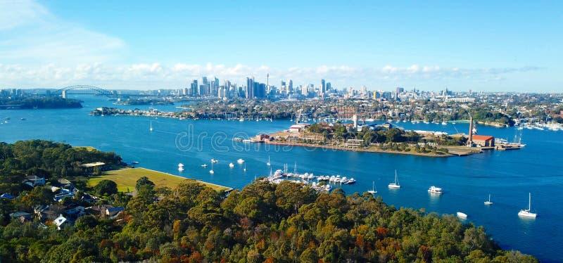 Вид с воздуха Сиднея CBD и моста гавани стоковая фотография rf