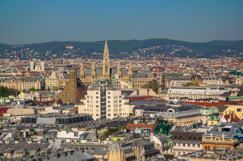 Вид с воздуха центра города Вены от собора стоковые фотографии rf