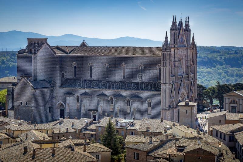 Вид с воздуха церков на Orvieto Terni r стоковые фото