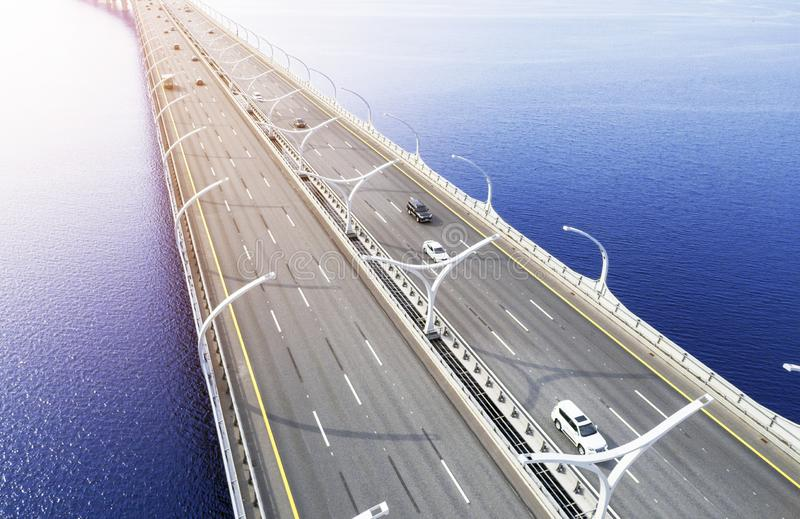 Вид с воздуха шоссе в океане Мост взаимообмена моста скрещивания автомобилей Взаимообмен шоссе с движением Воздушная птица ey стоковые фотографии rf
