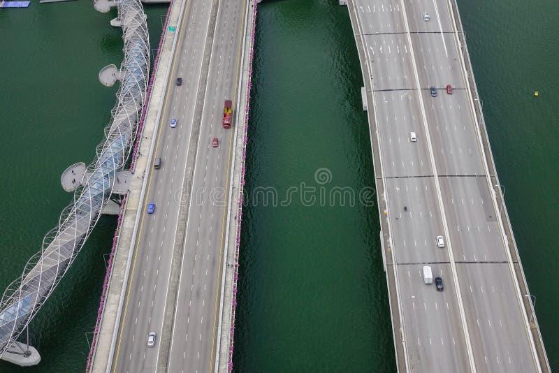 Вид с воздуха шоссе и мостов в Сингапуре стоковое фото rf