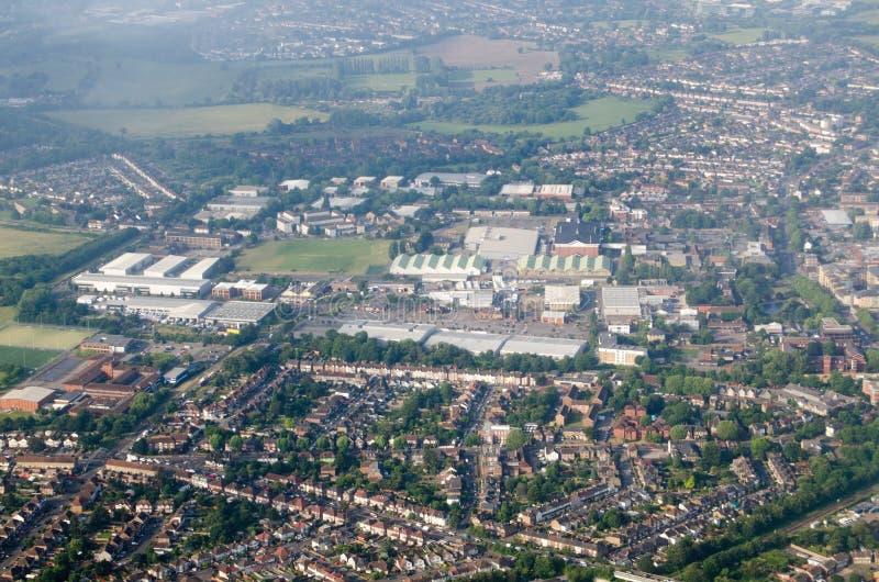 Вид с воздуха Feltham включая группу досье разведки обороны стоковая фотография rf