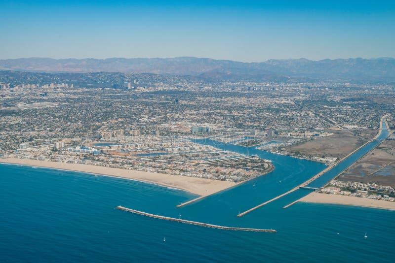 Вид с воздуха Marina del Rey и Playa del Rey стоковые изображения