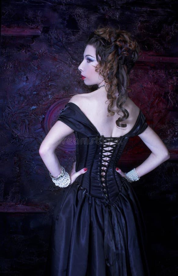 Download Викторианская дама стоковое изображение. изображение насчитывающей художничества - 40581037