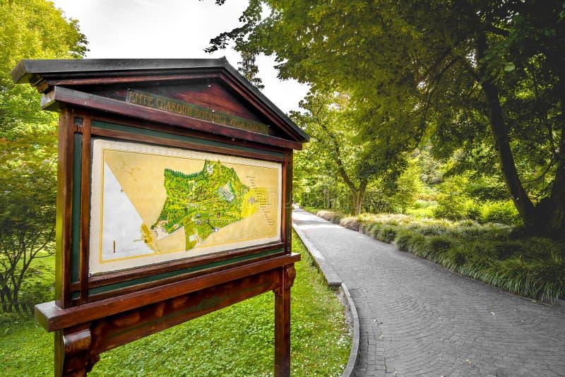 Вилла Таранто Verbania Pallanza Пьемонт ботанического сада деревянной карты знака известная итальянская стоковое фото rf