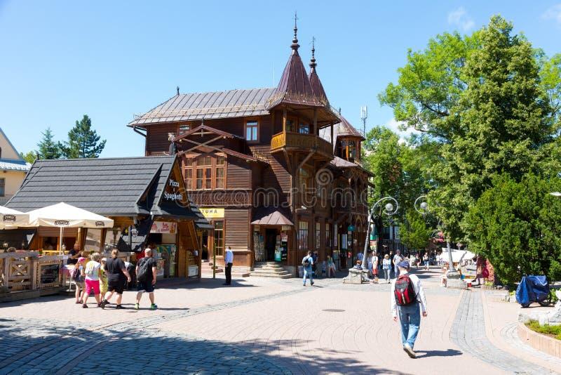 вилла Poraj Швейцарц-стиля построенное тимберса стоковая фотография