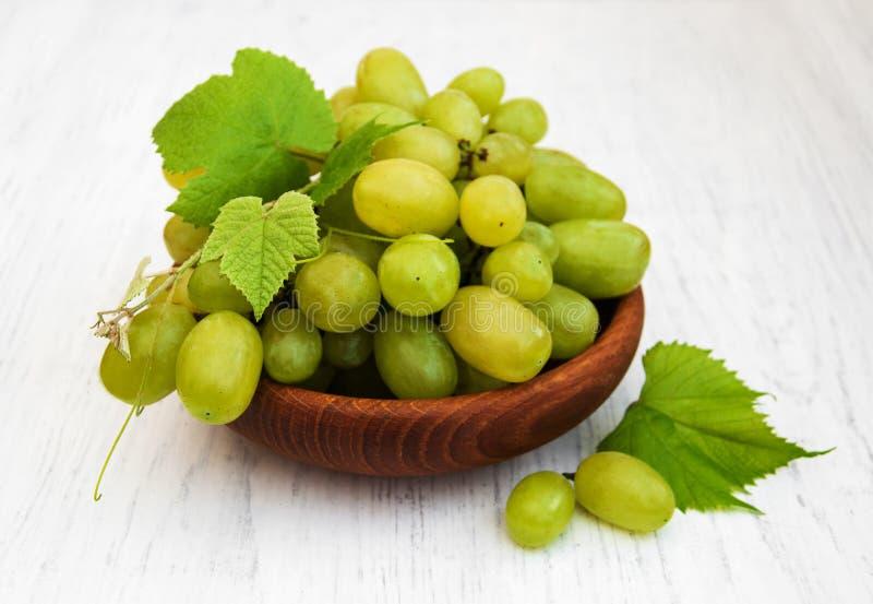 Виноградина с листьями стоковое фото rf