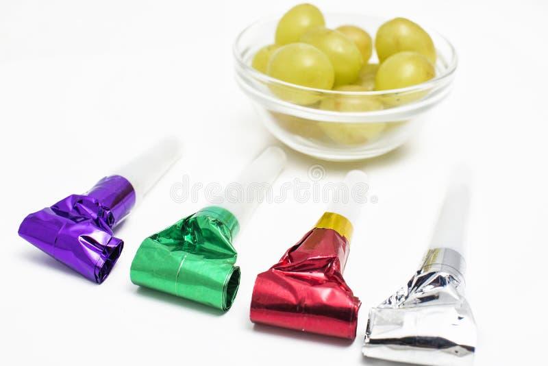 12 виноградины и утварей на Новый Год стоковое фото rf