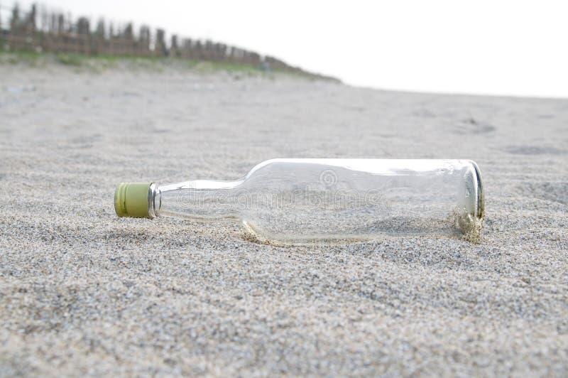 вино бутылки чистое стеклянное стоковое изображение rf