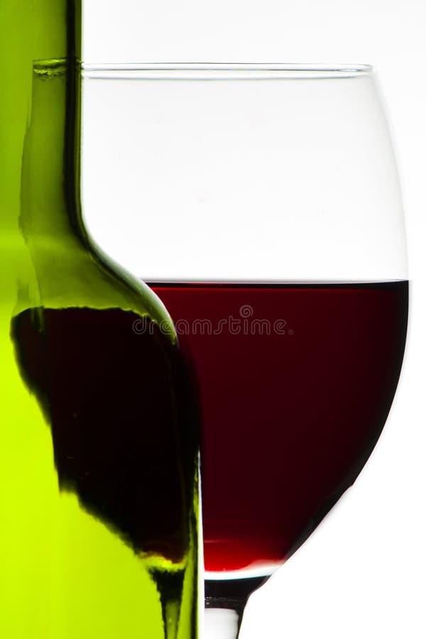 Download вино бутылочного стекла стоковое изображение. изображение насчитывающей питье - 18380017