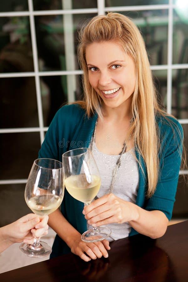 Вино женщины Стоковое Изображение
