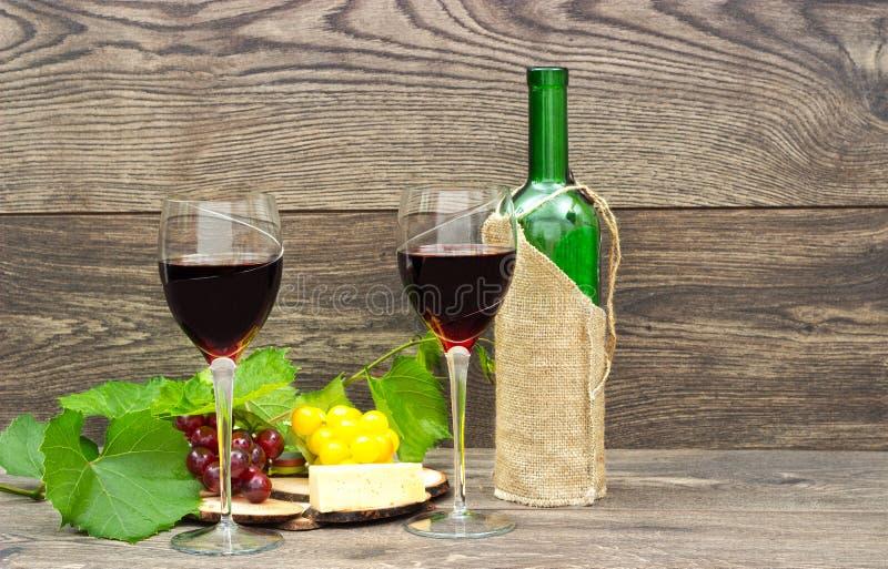 вино красного цвета 2 стекел стоковое изображение rf