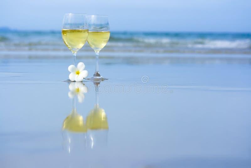 вино стекел 2 белое стоковое фото rf