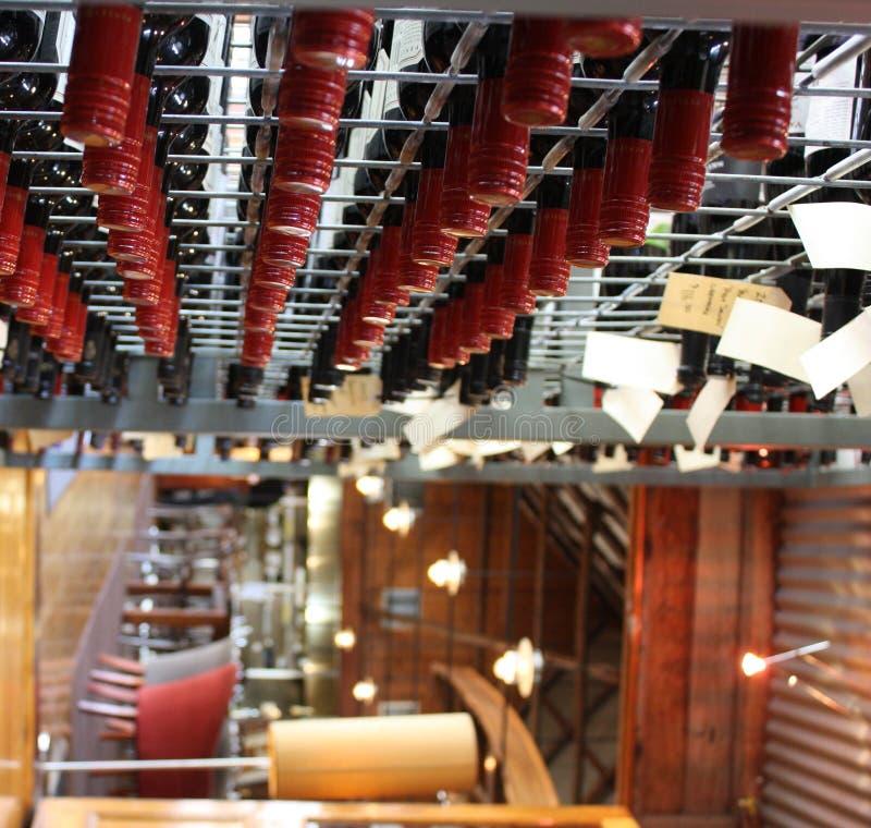 вино шкафа стоковое изображение rf