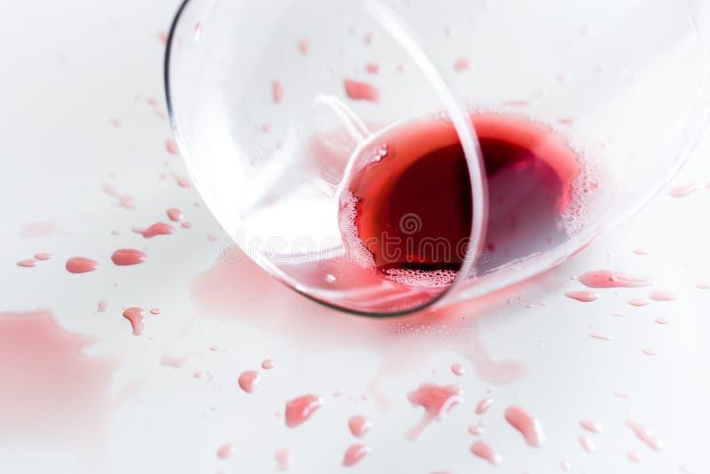 вино штанги спирта стеклянное красное стоковые фотографии rf