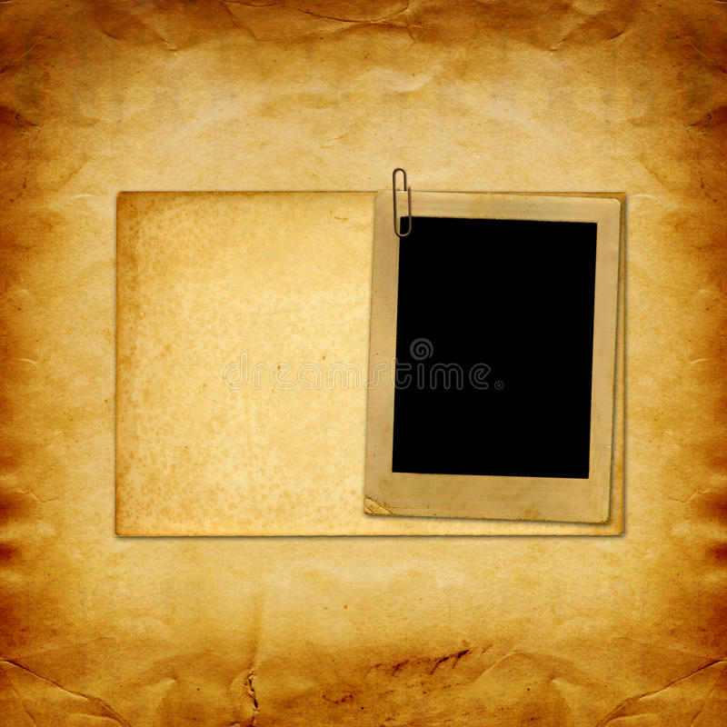 Винтажная бумага с рамками grunge для фото стоковое фото rf