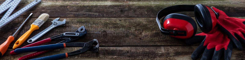 Винтажная деревянная доска знамени для woodworking, плотничества или работы разнорабочего стоковая фотография rf