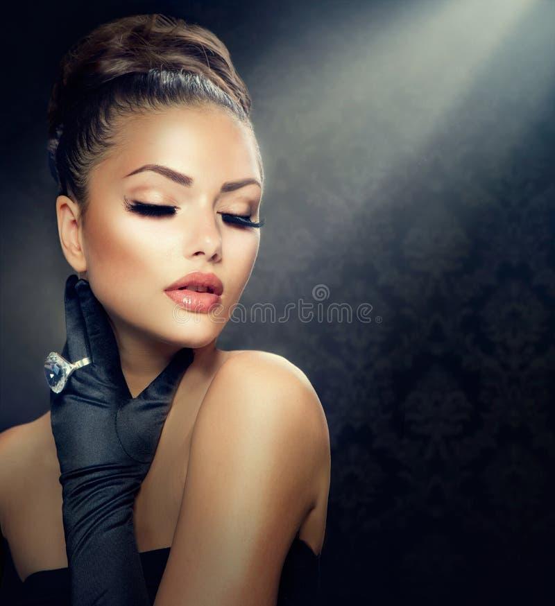 Винтажная девушка стиля стоковые фотографии rf