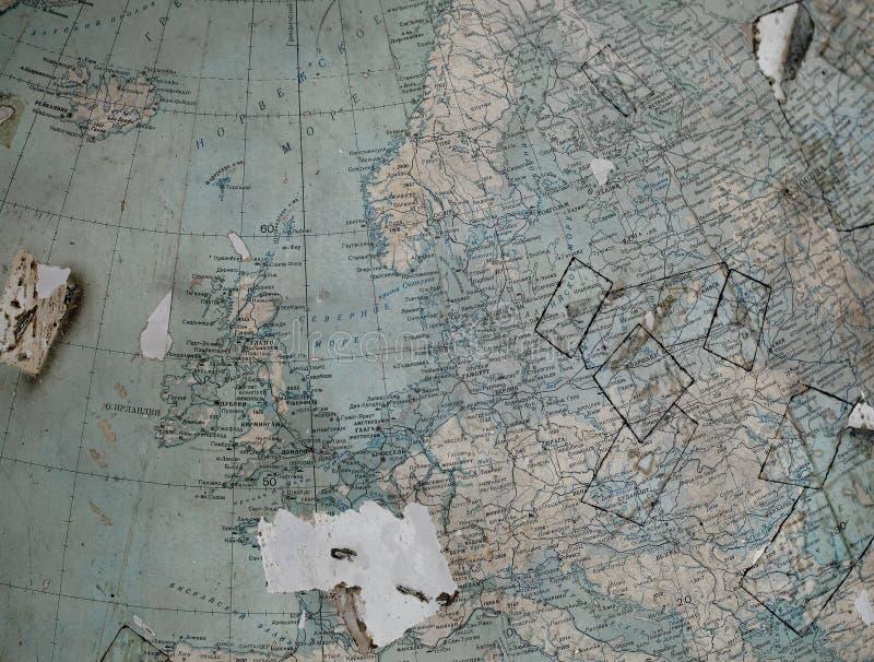 Винтажная карта (часть глобуса) старой Западной Европы внутри стоковые изображения