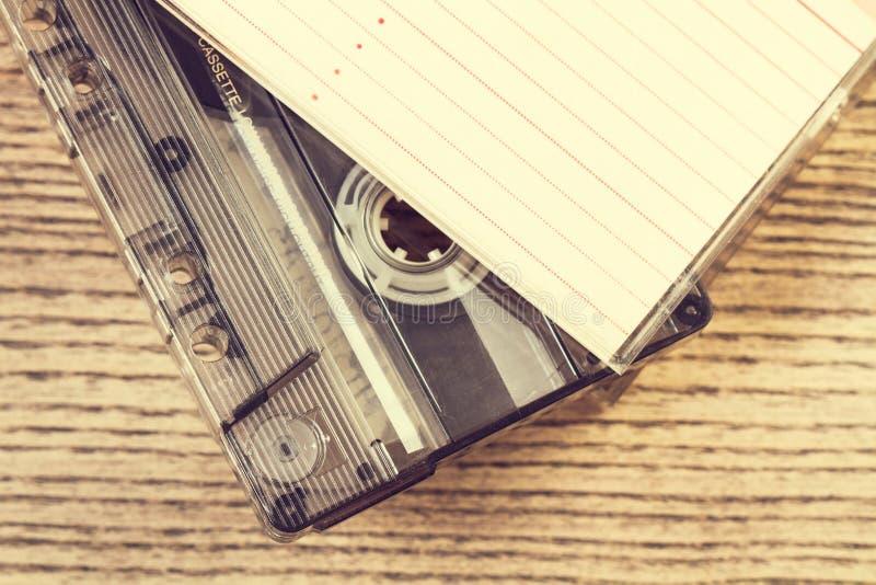 Винтажная кассета и своя коробка стоковые изображения rf