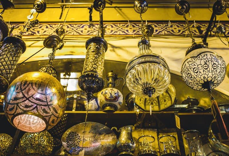 Винтажная люстра в грандиозном базаре стоковая фотография rf