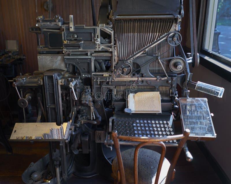 Винтажная машина печати от стоковое фото rf
