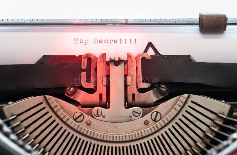 Download Винтажная машинка стоковое фото. изображение насчитывающей антиквариаты - 41651420