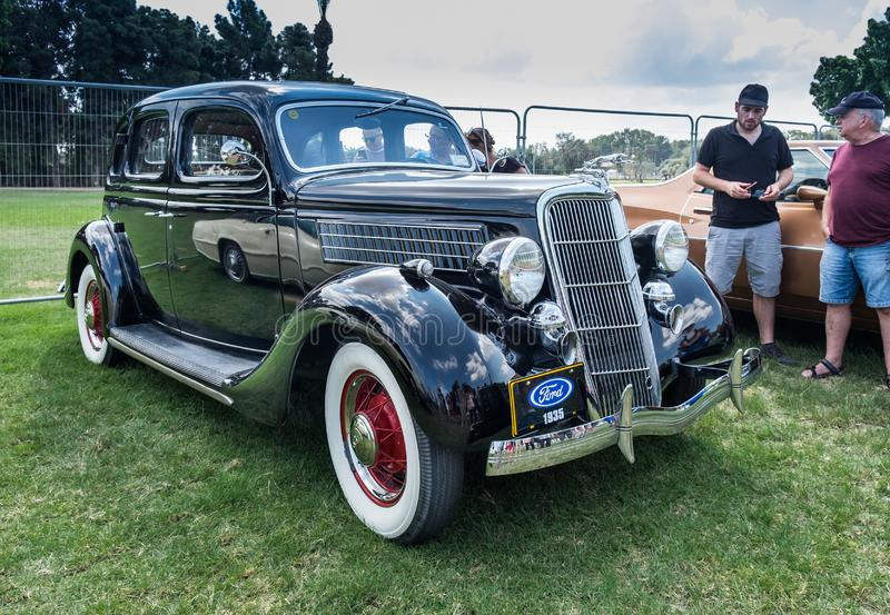 Винтажная модель 48 1935 Форда представленное на ежегодном шоу автомобиля oldtimer, Израиле стоковые изображения rf