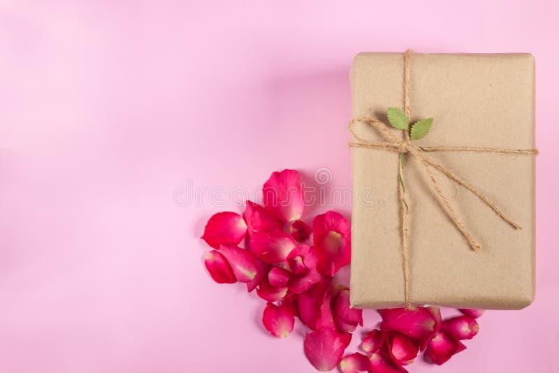 Винтажная подарочная коробка стоковые фотографии rf