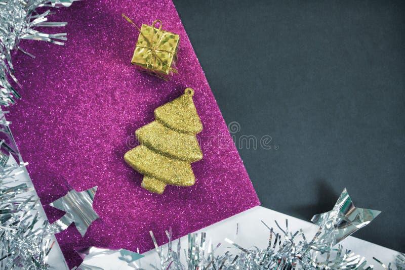 Download Винтажная предпосылка рождества Тонизированное фото орнамента ели на Pape яркого блеска Стоковое Изображение - изображение насчитывающей состав, карточка: 81811735
