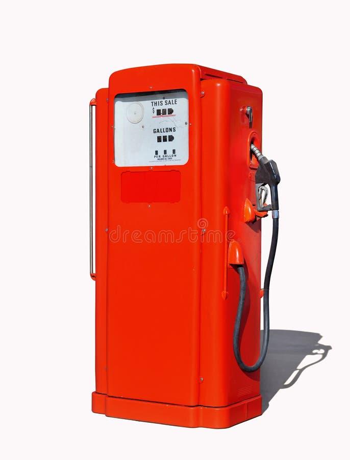 Винтажная (ретро) красная бензиновая колонка стоковые фото