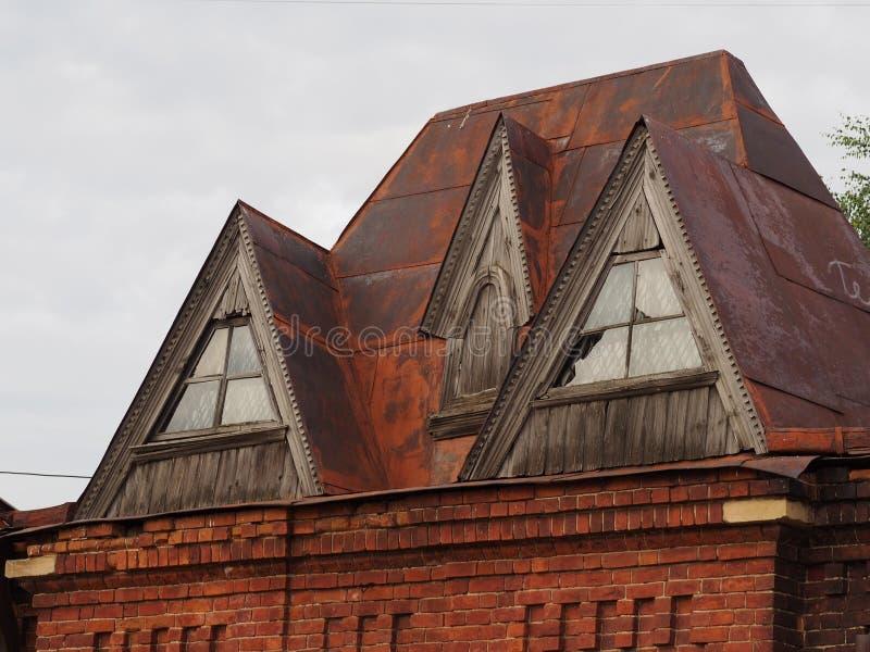 Винтажная ржавая крыша стоковые изображения