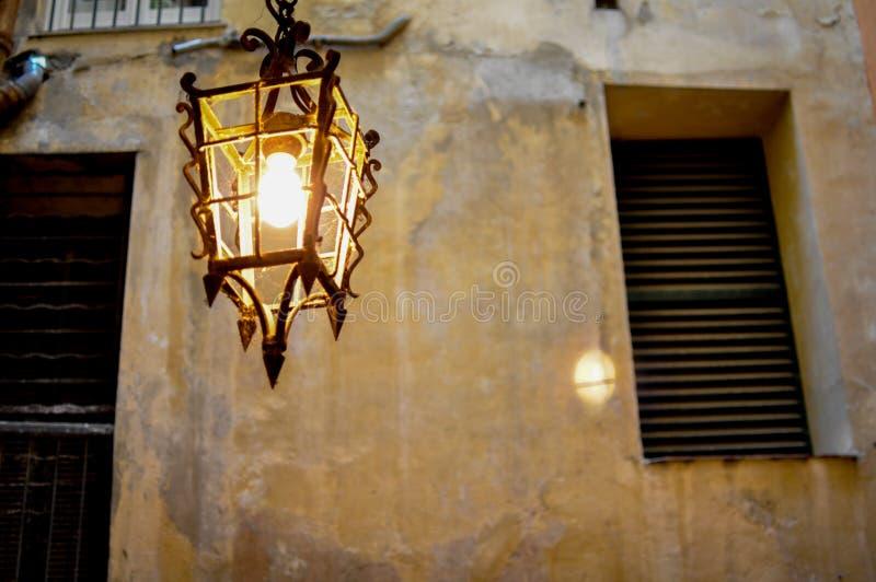 Винтажная светлая лампа стены стоковые изображения rf
