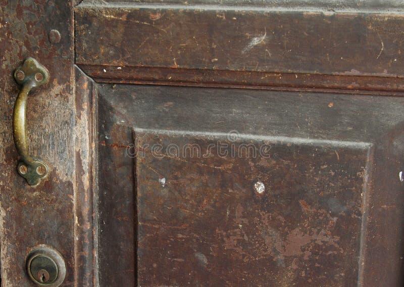 Винтажная старая ручка двери стоковая фотография
