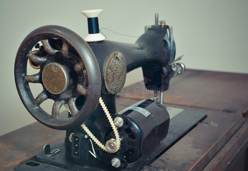 Винтажная швейная машина стоковое фото rf