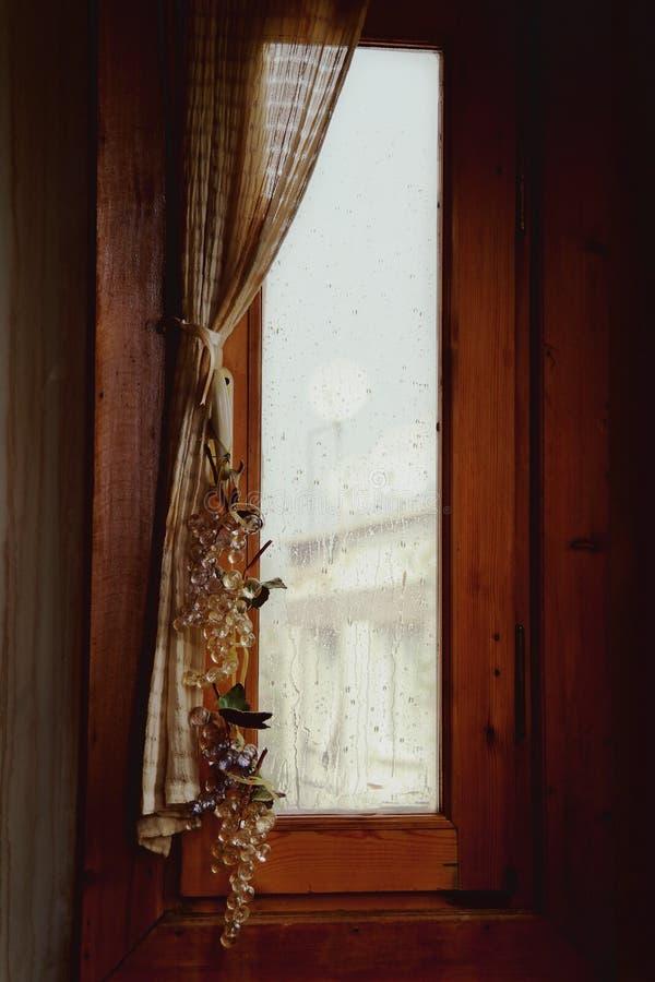 Винтажное окно стоковое фото