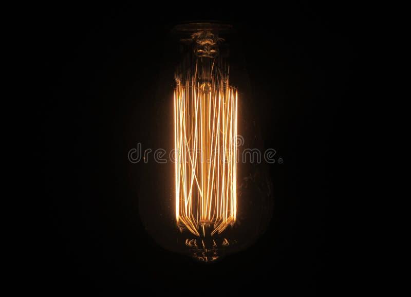 Винтажное светлое bulp в темноте стоковое изображение