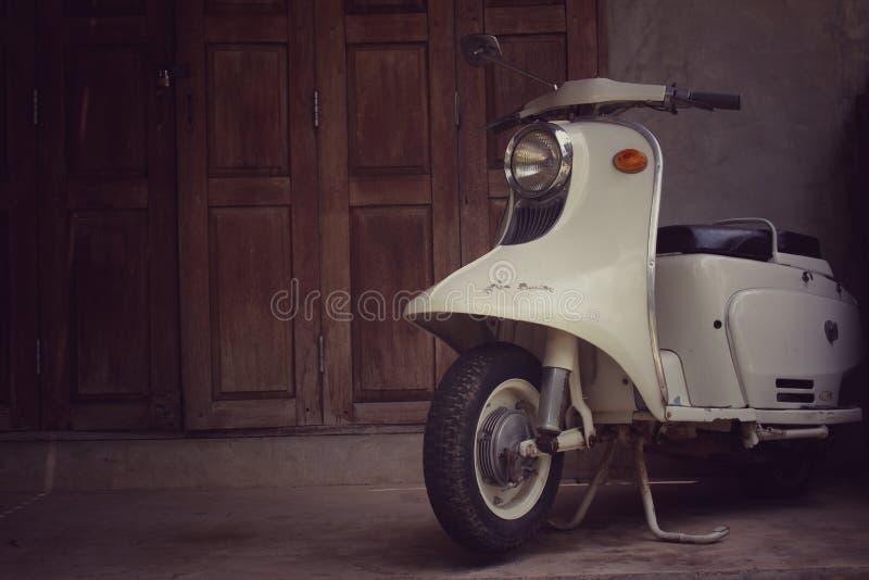 Винтажное motorbicycle стоковые фотографии rf
