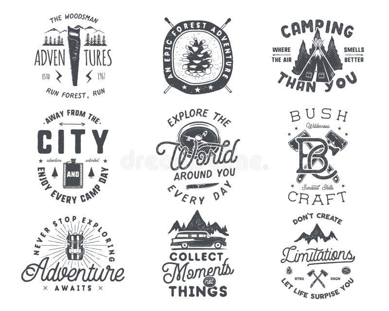 Винтажной и комплект эмблемы нарисованные рукой значок перемещения Ярлыки Логотипы внешнего приключения вдохновляющие Оформление  иллюстрация штока