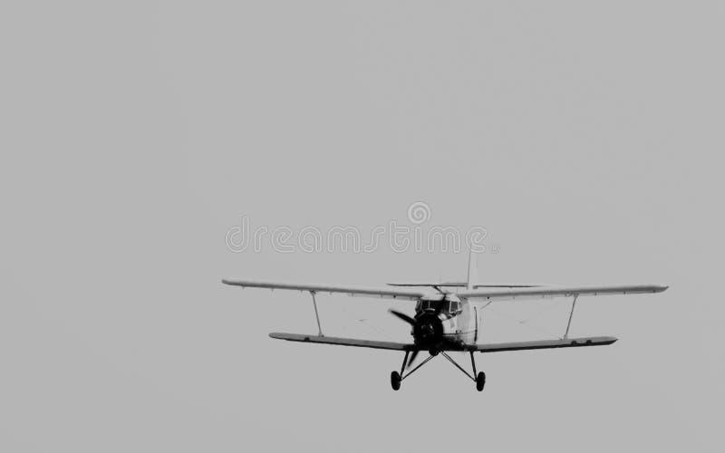 Винтажные войска транспортируют самолет-биплан стоковое фото