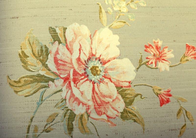 Винтажные затрапезные шикарные коричневые обои с цветочным узором стоковое изображение